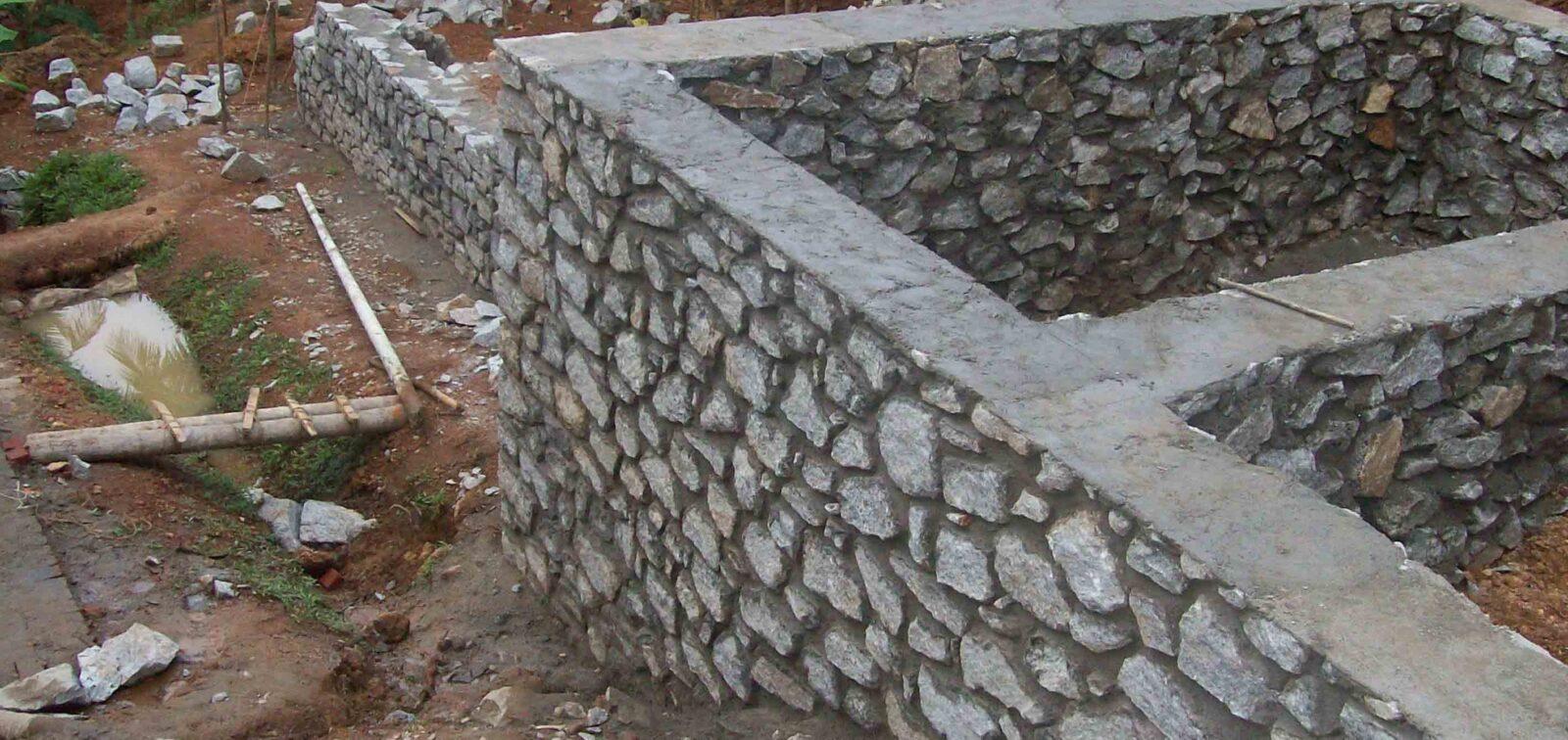 камень цоколь
