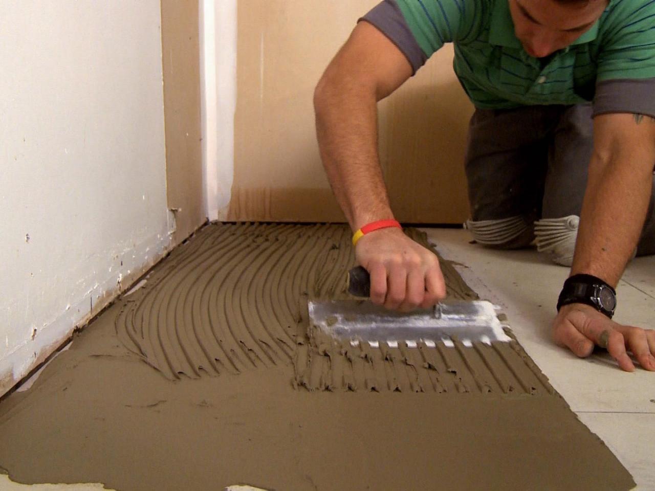 Выравнивание поверхности под плитку