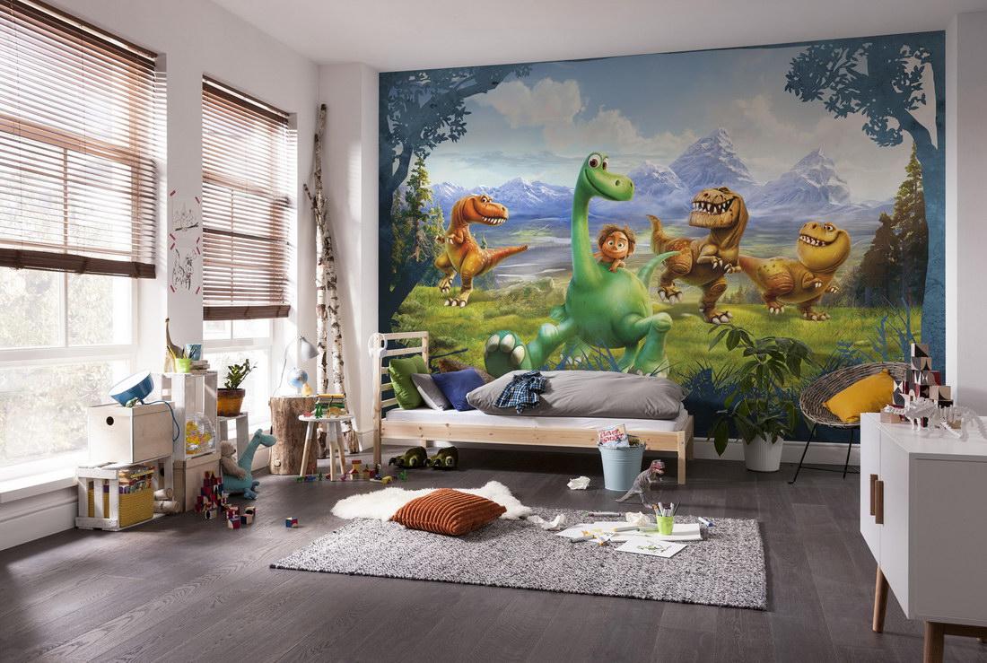 Детская комната с фотообоями на стене
