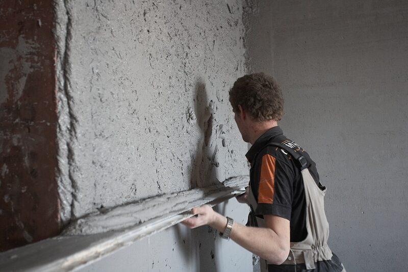 Как правильно оштукатурить стены