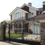 Выбор забора для частного дома