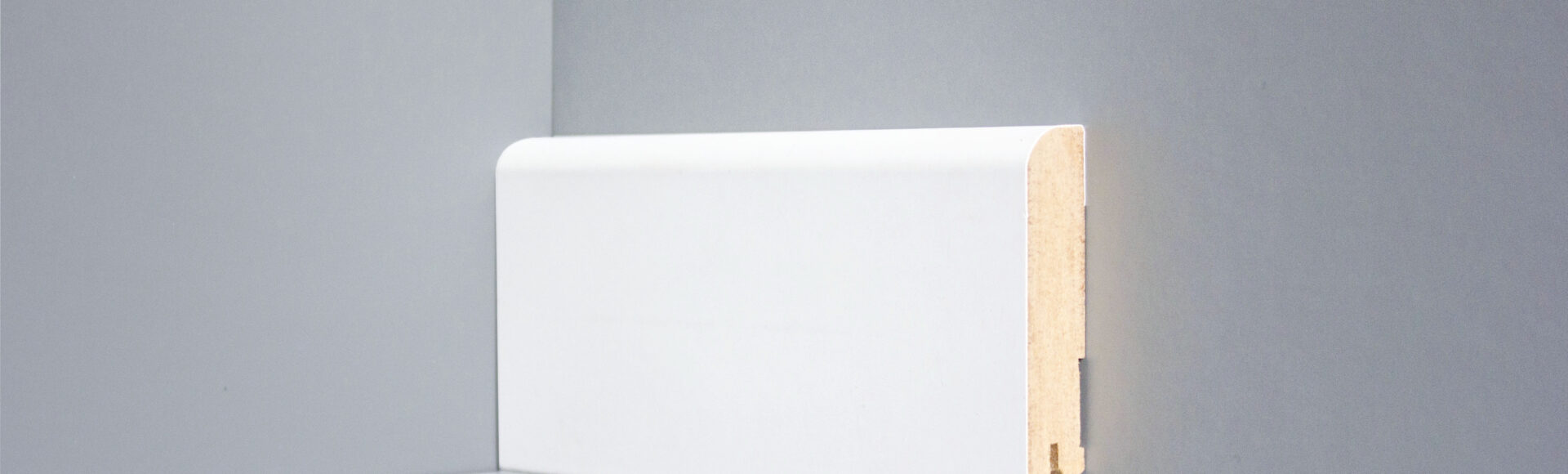Плинтус— предназначение, виды и технология укладки