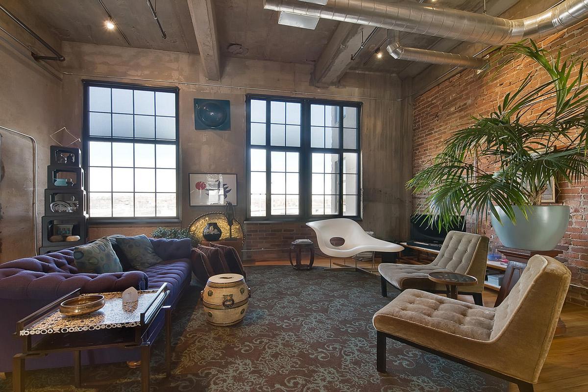 трубы и бетон в квартире в стиле лофт