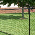 Как сделать забор из сетки-рабицы?