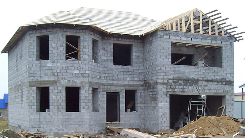 Строительство дома из легкобетонных стен